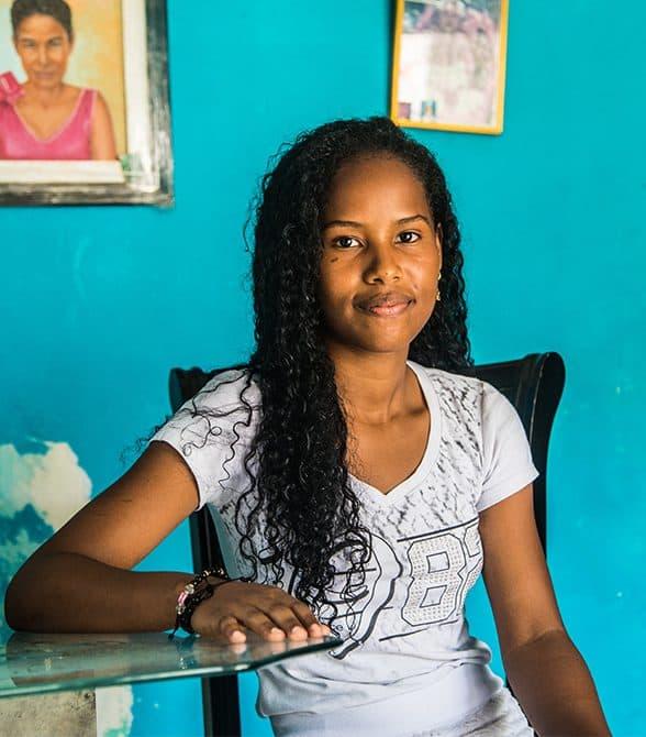 Sponsor Child Colombia Rosa
