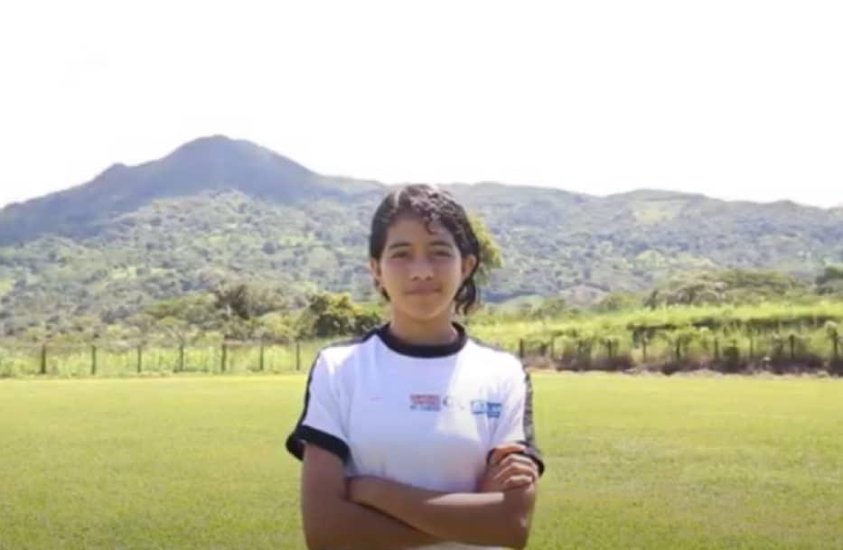 Paty is a young woman in El Salvador